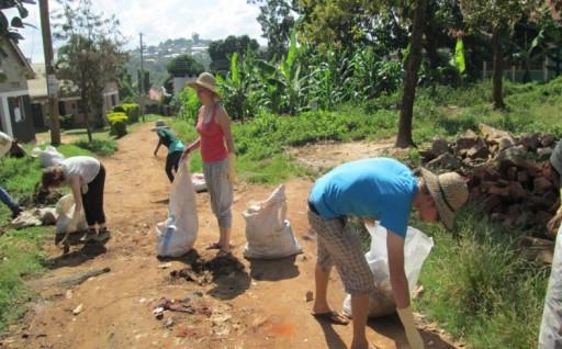 Le SVI est une association de volontariat international non commerciale ecovolontariat_en_afrique.jpg